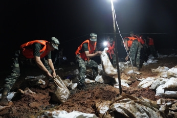 Jiangxi enters 'wartime mode' as nation faces flood catastrophe